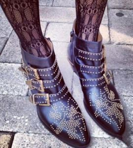 2018 Fashion Stylish Rivet Studded Ankle Boots Buckle Strap Shoes Women Luxury Pointed Toe Square Heel Buckled Combat Booties Shoes