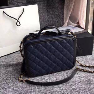 2018 mujeres Actividades de promoción de la tienda de bolsos de moda y hermosas. Compre más bolsas para enviar regalos. Envío gratis de correo con descuento de tiempo