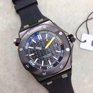 Sıcak Satış Ücretsiz Sınırlı Kraliyet Meşe Offshore Dövme Karbon Dalgıç Otomatik Mekanik Saatler PVD Siyah Izle Kauçuk 42mm 15706 Erkek Kol Saati