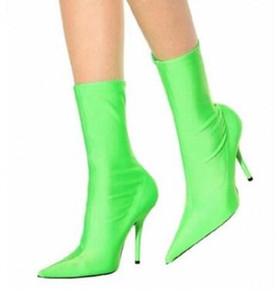2018 النساء تخصيص الأزياء المدرج الجوارب أحذية النساء الخناجر مطاطا الزهور طباعة عادي الجوارب الأحذية مدبب zapato موهير
