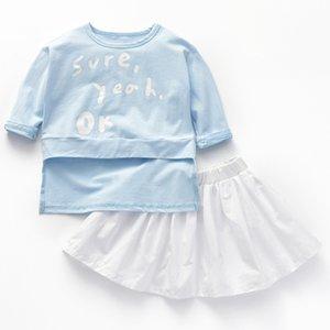 Детская одежда весна и осень девушки синий круглый воротник с длинными рукавами футболки и белая короткая юбка костюм из двух частей