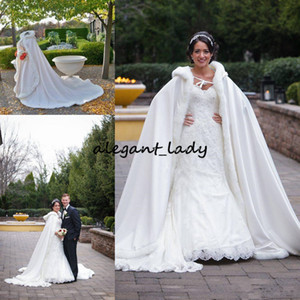 2019 Ivory Wedding Bridal Cloaks Fur Winter Wedding Capes Wicca Robe Warm Cappotti Bride Giacche Eventi di Natale Bolero Wedding