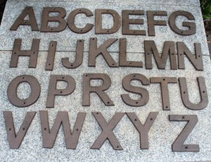 20 Pieces Cast Iron Letter Alphabet A-Z, Number 0-9 Antique Metal House Door Numbers Home Store Shop Wall Street Decoration Retro Brown Big