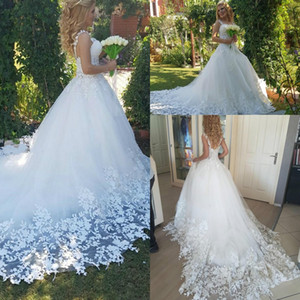 Free Shipping 2018 New Arrival Lace Applique Tulle Wedding Dresses Vintage Full Length Backless Ball Gown Sleeveless Bridal Gowns