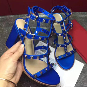 High-heeled shoes 2018 new high-quality leather shoes 35-41 European station thick with 8 colors factory direct free shipping