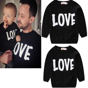 Love Family Trajes a juego Ropa para niños Otoño Invierno Nueva sudadera con capucha de cuello redondo 3 colores Ropa familiar