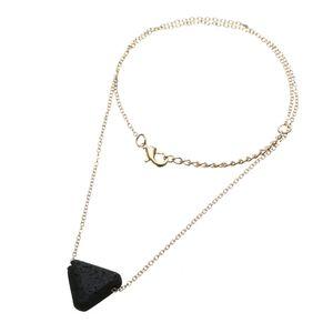 Lava-Stein-Halskette Black Lava-Stein-Korn Geometrie Sphärische dreieckige Halskette