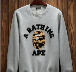 2018 Hip-Hop Sweatshirt Shark Casual Sweatshirt Towel Embroidery Hombres y suéteres de mujer