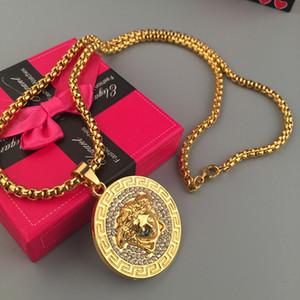 Muy buena calidad! Colgante de Hip Hop Medusha con cuentas y cadena de maíz. Diamante chapado en oro de 24K.