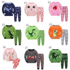 2018 novo bebê pijamas outfits algodão meninos meninas Animal print dinossauro top + calças 2 pçs / set crianças dos desenhos animados Conjuntos de Roupas 45 estilos DHL C3371