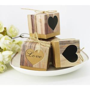 Grão de madeira Coração Oco Caixas De Doces Retro Favores De Casamento Kraft Festa de Aniversário de Natal Caixa de Papel de Presente 50 pçs / lote