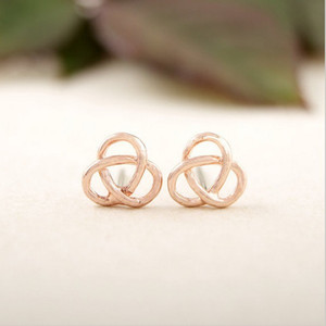 2018 Fashion Connected floriated stud earrings gold silver rose gold Plating stud earrings wholesale free shipping