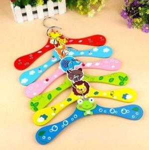 무료 배송 400pcs 새로운 귀여운 만화 동물 나무 아이 옷 행거 아기 어린이 옷걸이 6 스타일