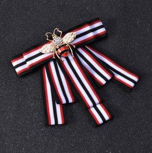 Novos Estilos de Gravata Abelha Broches Handmade Stripe Bowknot Corsage Cristal Esmalte Abelha Corsage Para As Mulheres Gir Prep Estilo Camisa Accessoreis
