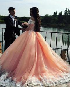 2018 Bateau Cuello Mangas cortas Apliques Tulle Plus Tize Sweet 16 Vestidos Saudi Árabe Vestidos de Prom Pasos Blush Pink Ball Vestido Quinceañera Vestidos