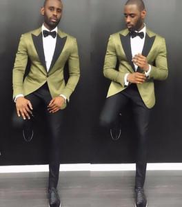 Şık Genç Erkekler Suits 2019 Yaz Çentik Yaka Damat Düğün Smokin 2 Parça Ile Ordu Yeşil Saten Erkekler Parti Smokin Siyah Pantolon