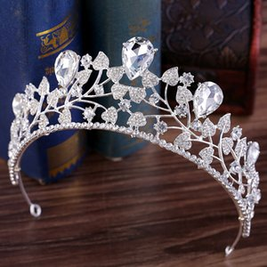 2019 Princess Crystal Crown Wedding Tiara Baroque Queen King Crown Clear Royal Blue Red Strass Tiara nuziale Crown economici
