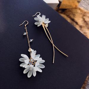 MENGJIQIAO 2018 Korean New Fairy Acryl Blume Asymmetrische Ohrringe Für Frauen Urlaub Schmuck Kristall Quaste Lange Pendiente