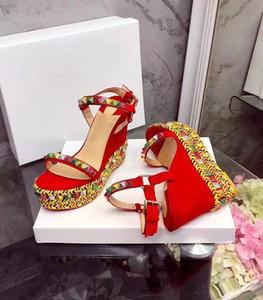2018 Yeni Gladyatör Sandalet Bayanlar Cataclou Kırmızı Alt Yaz Sandalet Kama Perçinler Ayak Bileği Kayışı Sivri Spike kadın Sandalet Seksi Yüksek Topuklu