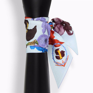 Trendy New Wholesale 26 lettere tarocchi lady sciarpe piccole donne collo raschi beautful estate scraf fabbrica vendita calda