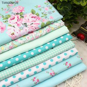 8 PARÇA patchwork tecido tela giyim yatak TISSUS kapitone için ayarlanan çiçek Baskılı pamuklu kumaş 40cmx50cm