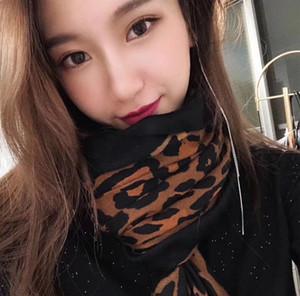Sciarpa di cashmere invernale di lusso Pashmina per le donne Designer di marca Sciarpa di plaid caldo uomo Moda Donna imitare Sciarpe di lana di cashmere