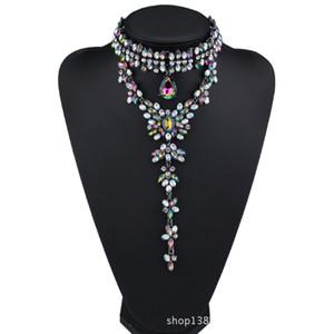 Collier ras du cou magnifique pendentif pour les femmes avec des bijoux Jolie perles de cristal costume pour robe de mariée 3 couleurs 1 Pc