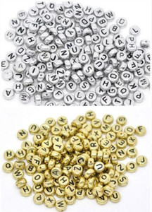 1000 Pçs / lote Mista Letra Do Alfabeto Acrílico Plana Cubo Spacer Beads encantos Para Fazer Jóias 6mm