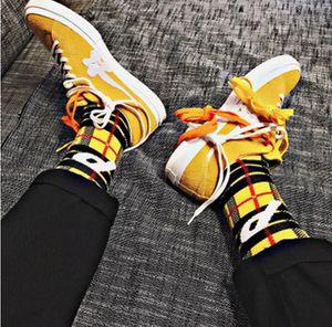 P Brief Plaid Socken Männer Junge Mädchen Baumwolle Strümpfe Hip Hop Sport Harajuku Socken Neue Mode Streetwear Klassische Strümpfe