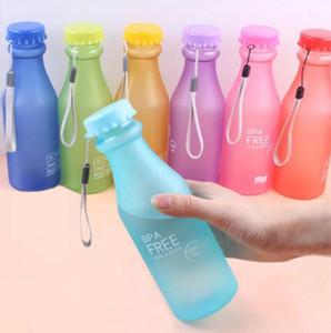 Süßigkeits-Farben unzerbrechlich bereiften auslaufsicheren Plastikkessel 550mL BPA geben bewegliche Wasser-Flasche für Spielraum-Yoga-laufenden Kampieren frei
