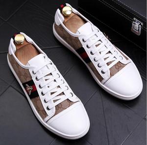 새로운 스타일 낮은 도움 남자 신발, 개별 리벳 신발, 유행 신발. 캐주얼 웨딩 드레스 구두 c83
