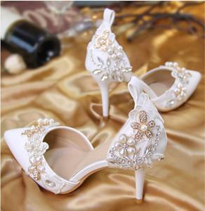 أحذية الزفاف الدانتيل الكريستال 2018 أحذية الزفاف مع أحجار الراين الأبيض مجرد فتاة عادية أحذية عادية مع مشبك حزام الكعب العالي
