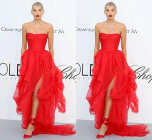 2018 Red Carpet Celebrity Dresses Strapless Sexy Side Split Zipper Back Tulle Sweep Train Vestidos de noche formales Prom Occasion Dresses