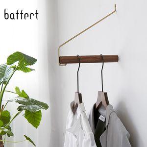 Cintre en bois Support mural Crochets Cintre Pour Vêtements Manteau de stockage Salon / Chambre à coucher Accessoires Cintre de rangement mural Crochet de Robe