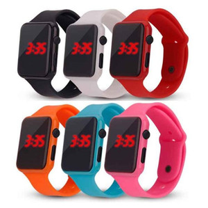 Hot New Square Miroir visage LED bande silicone Montre numérique LED rouge Montres-bracelet à quartz Sport Horloge Heures
