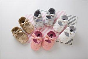 INS Heiße Kawaii Liebes-Muster Bestickte Bogen-Band-PU-weiche Mädchen-Kleinkind-Schuhe Hübsche Prinzessin-erste Wanderer-Schuhe Rutschfeste 4 Farben