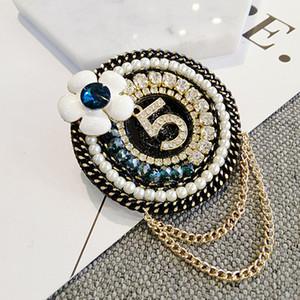 Mulheres Round Flower NO5 broche de pérolas strass Rodada borla broche terno lapela com corrente moda jóias presente