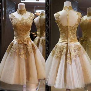 2018 Alta Neck Lace Ouro Apliques de Cocktail Vestidos Backless Sash Princesa Vestidos de Baile Curto Plus Size Custom Made Vestidos De Festa