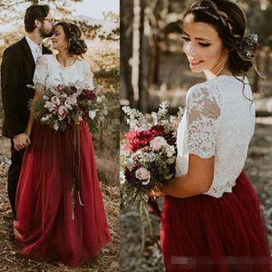 2018 البلد فستان الزفاف خمر قطعتين العاج الرباط الأعلى الظلام الأحمر بورجوندي تول تنورة الطابق طول أثواب الزفاف وصيفه الشرف dresse