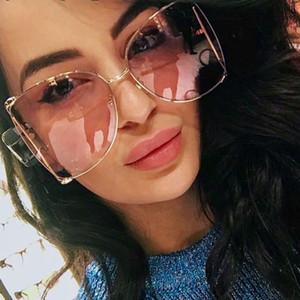 Lusso Cat Eye donna Occhiali da sole Perle Decorazione Gambali Moda Quadrati Marca Occhiali da sole Donna Gradiente Trasparente Tonalità UV400