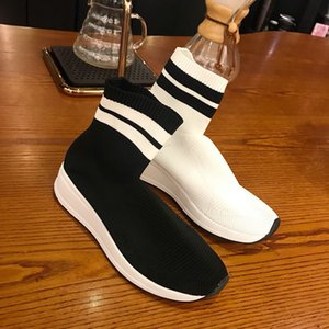 High Quality Cheap Original 2018 Women Sock Running Shoes Black White Red Speed Trainer Sports Sneakers Top Boots Casual women shoe 35-39