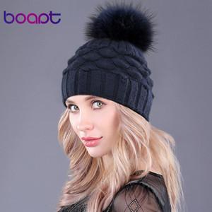 [Boapt] Wolle Doppel-Deck Fisch Maßstab Dekoration Kappen für Frauen Winter echten Waschbären Pelz Pompons Knited Hüte Mütze weibliche Hut