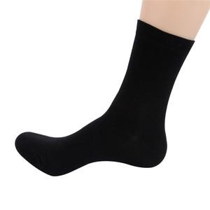 12pcs = 6pairs / Lot de otoño invierno de los hombres de negocios negro calcetines de algodón para hombres blancos casuales larga al por mayor pega el envío gratuito