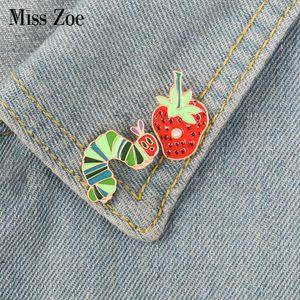 Fresa de Caterpillar pin de esmalte Planta de dibujos animados de animales broche insignia de solapa Denim Jeans camisa bolsa de regalo de la joyería divertida linda