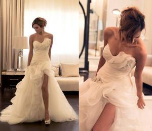 Organza Rüschen eine Linie High Low Brautkleider vorne Split nach Maß Sommer Brautkleider kurze Brautkleider