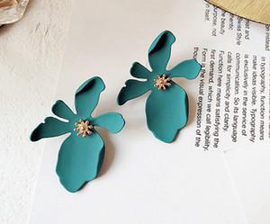 12 pcs mélangé 4 couleurs coréenne Exaggerate Big Flower Stud boucles d'oreilles pour les femmes d'été accessoires de mode élégant boucle d'oreille