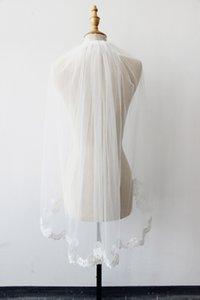 Yeni Ucuz 1 M 1 T Tarak ile Gelin Veils Dantel Aplike Kenar Beyaz / Fildişi Parmak Ucu Uzunluğu Düğün Gelin Peçe CPA813