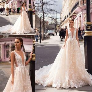 Milla Nova 2019 디자이너 가벼운 샴페인 웨딩 드레스 섹시한 딥 브이 넥 민소매 레이스 코트 기차 Backless Wedding Bridal Gowns