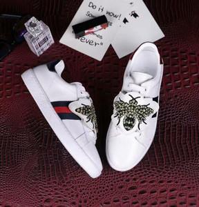 Moda Unisex abelha sneakers Mulheres homens lace up casual Sapatos de couro Genuíno designer de luxo Casal falt sport shoes Tamanho 34-45