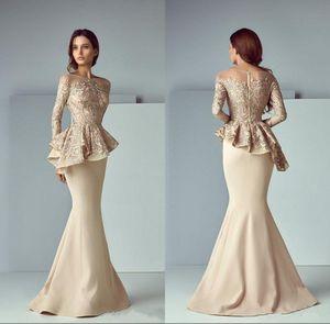 Champagne Lace Stain Peplum Wear Vestidos de baile 2019 Sheer Neck Manga larga Dubai Arabic Sirena Larga noche Vestidos formales